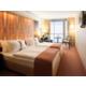 Ihr Zweibettzimmer mit unseren kuscheligen Kissenmenü.