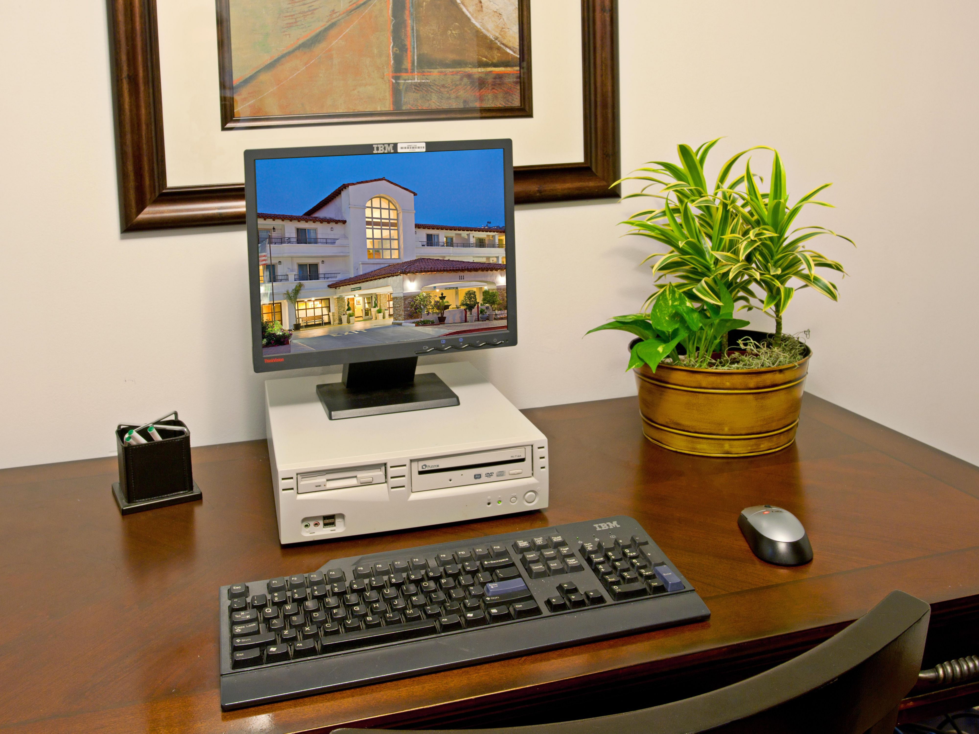 Business Center in San Clemente hotel.