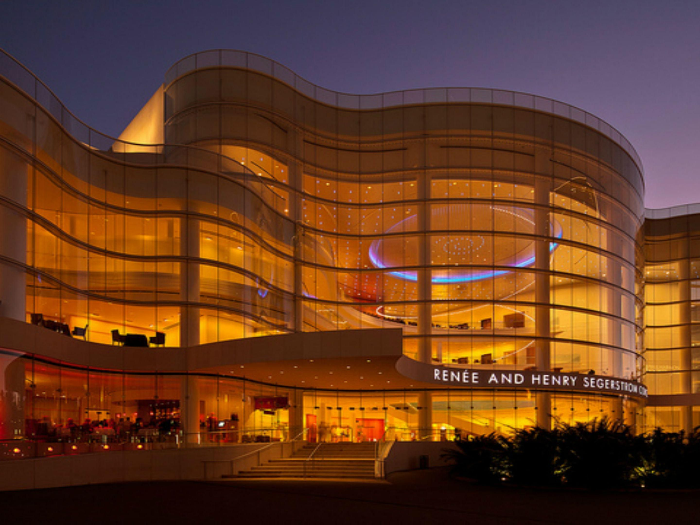 Stay at our Santa Ana hotel for Segerstrom Hall events