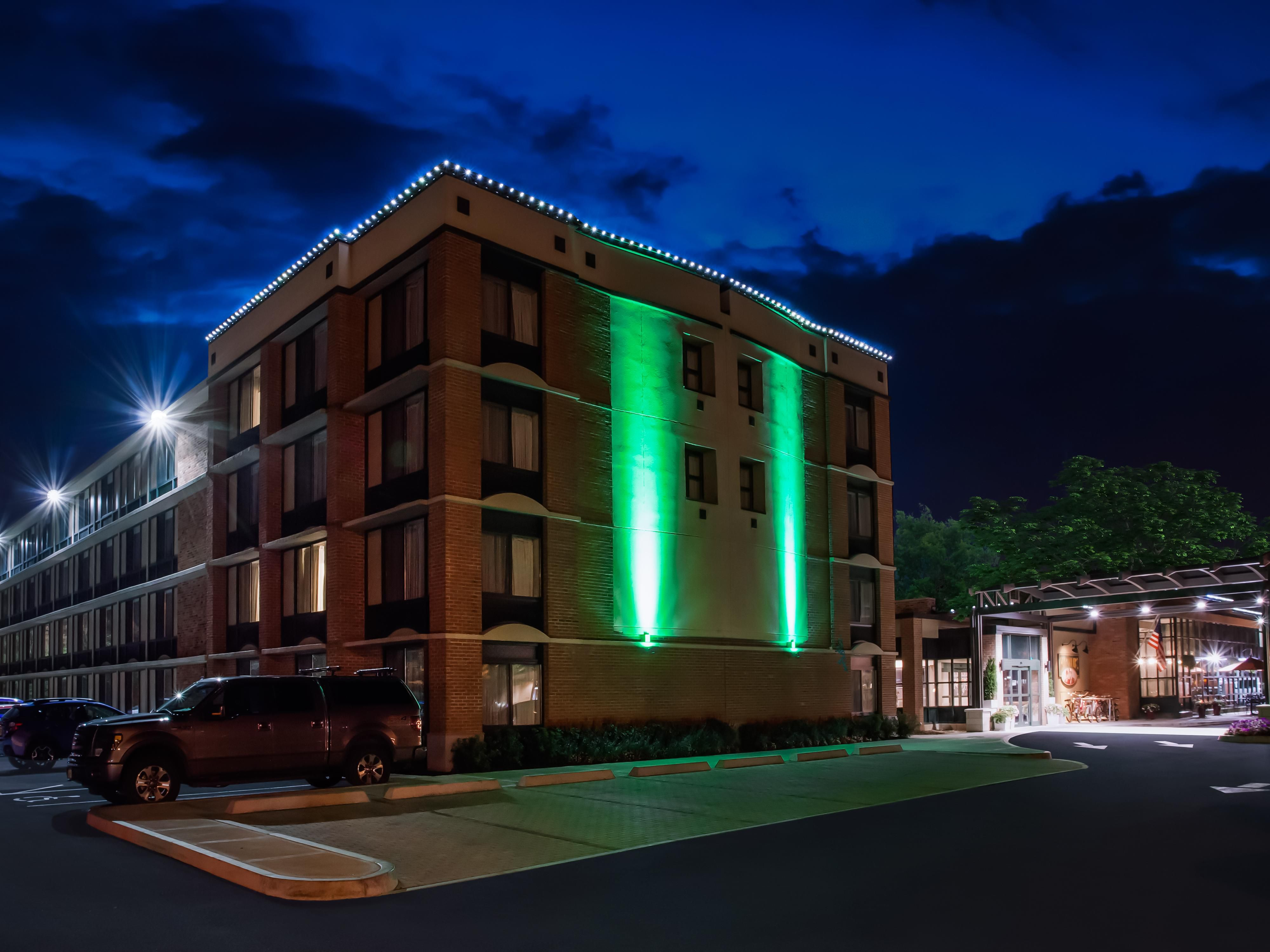 holiday inn saratoga springs hotel by ihg - Hilton Garden Inn Saratoga Springs