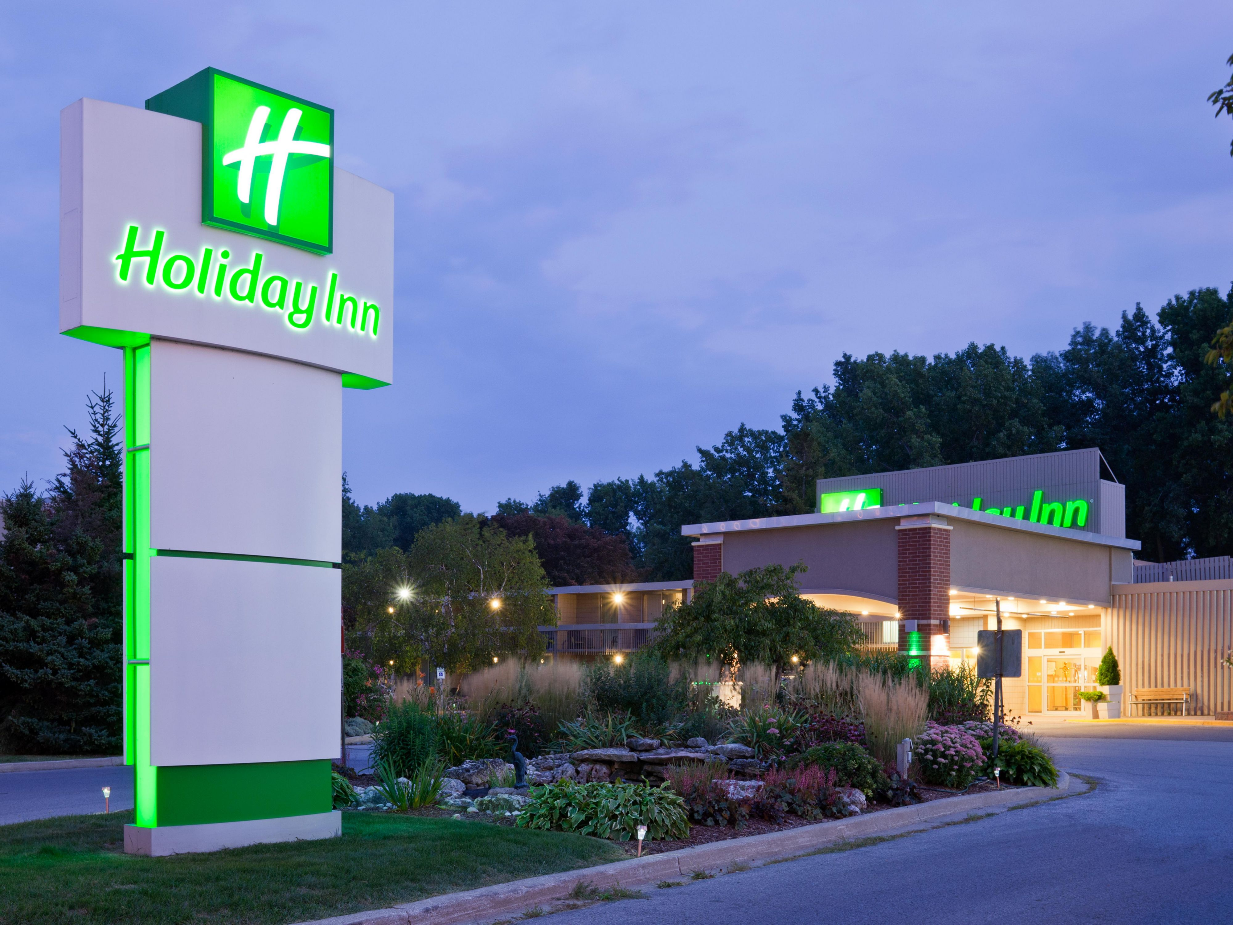 Welcome to the Holiday Inn Sarnia, We are Always at you