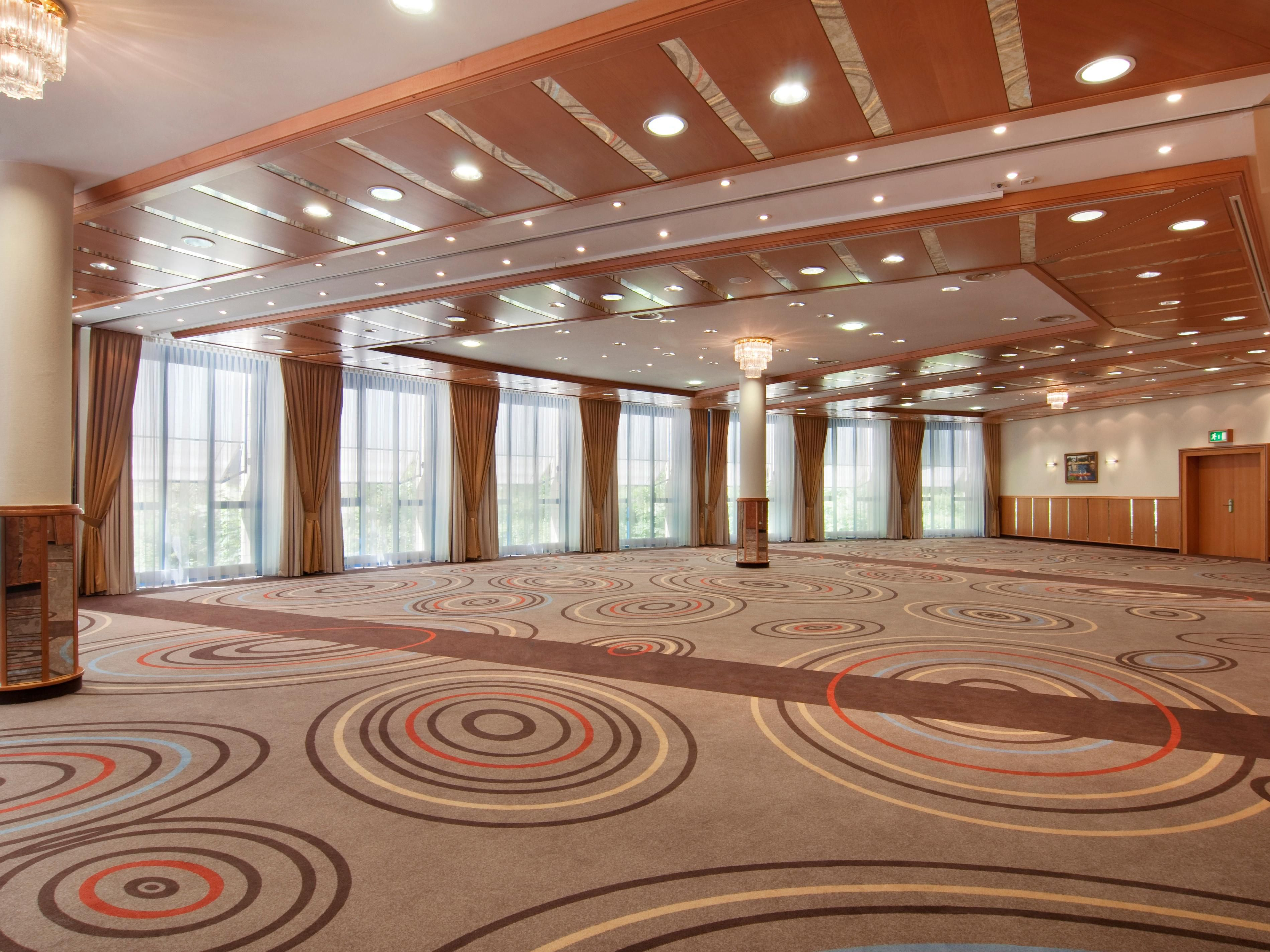 Sala Grande for your event with natural Daylight