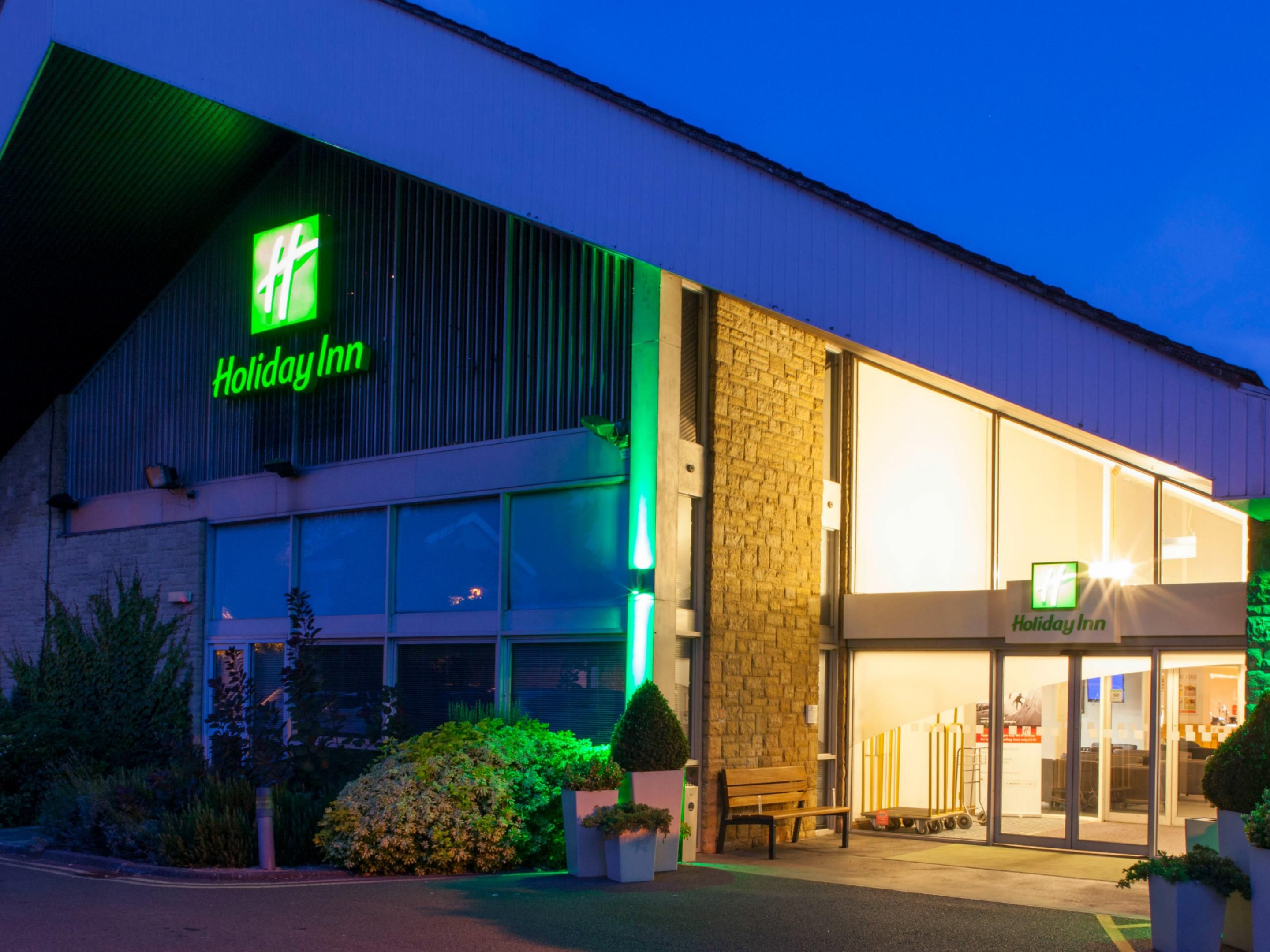 Sleep well at the Holiday Inn Swindon