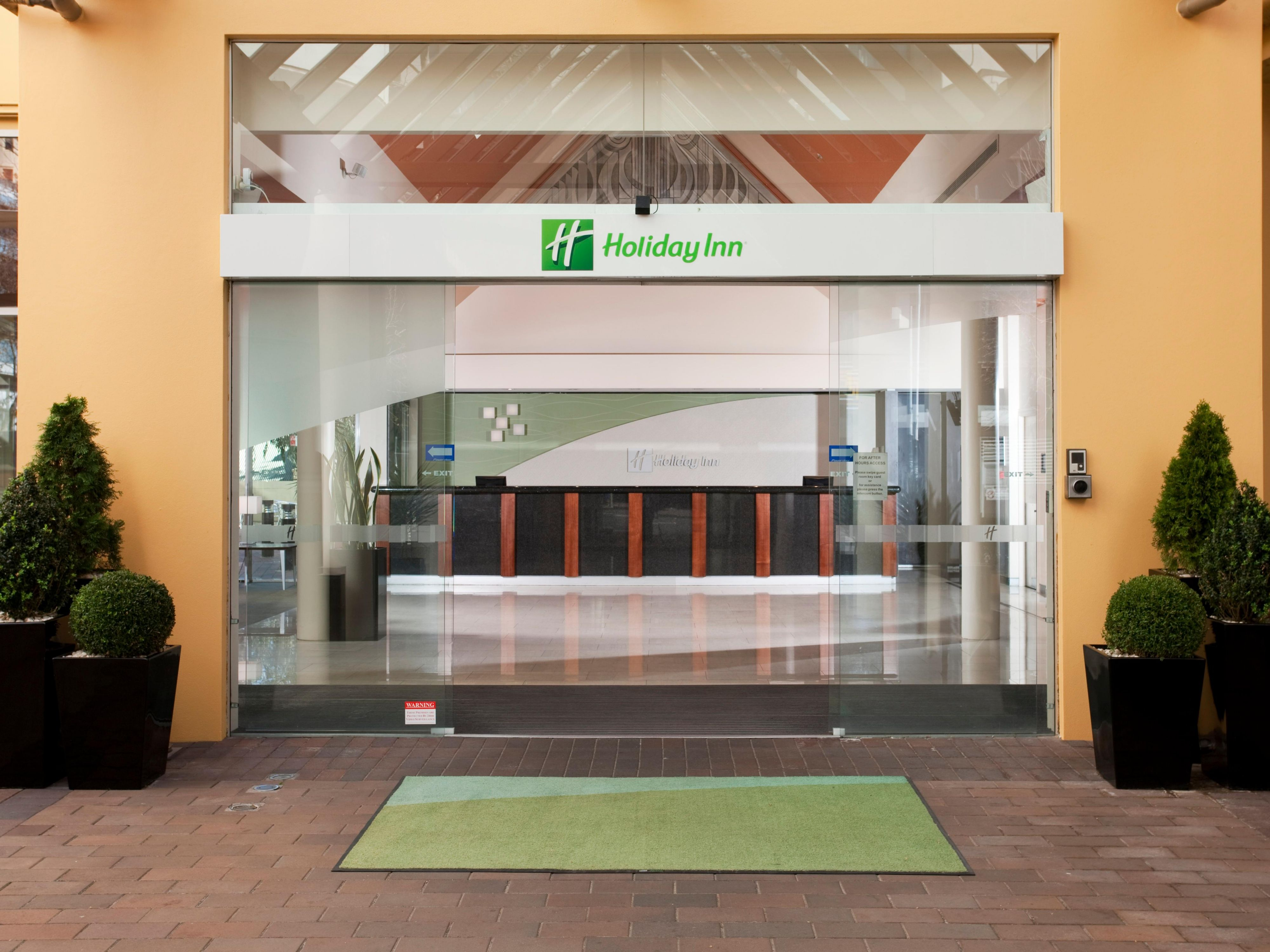 Stay at Holiday Inn Potts Point and enjoy our exceptional service.