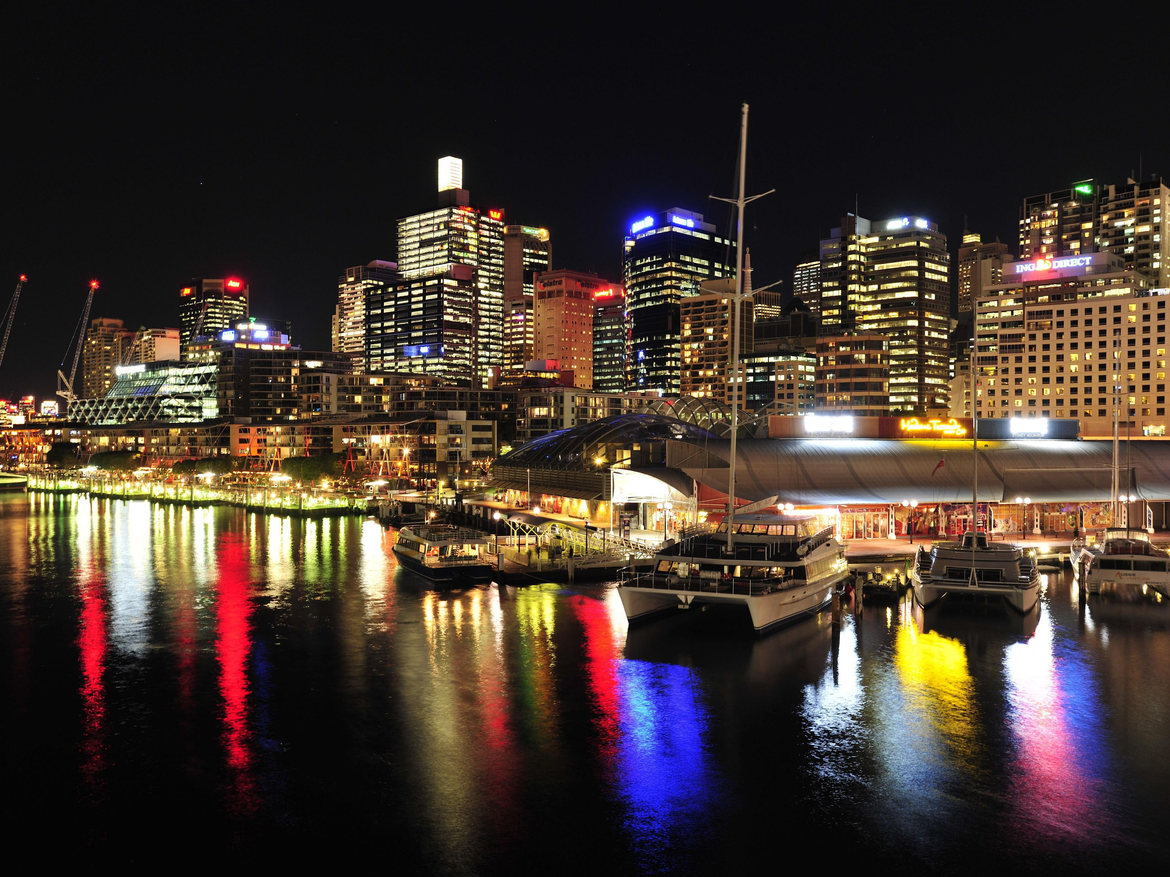 Middle Darling Harbour at night
