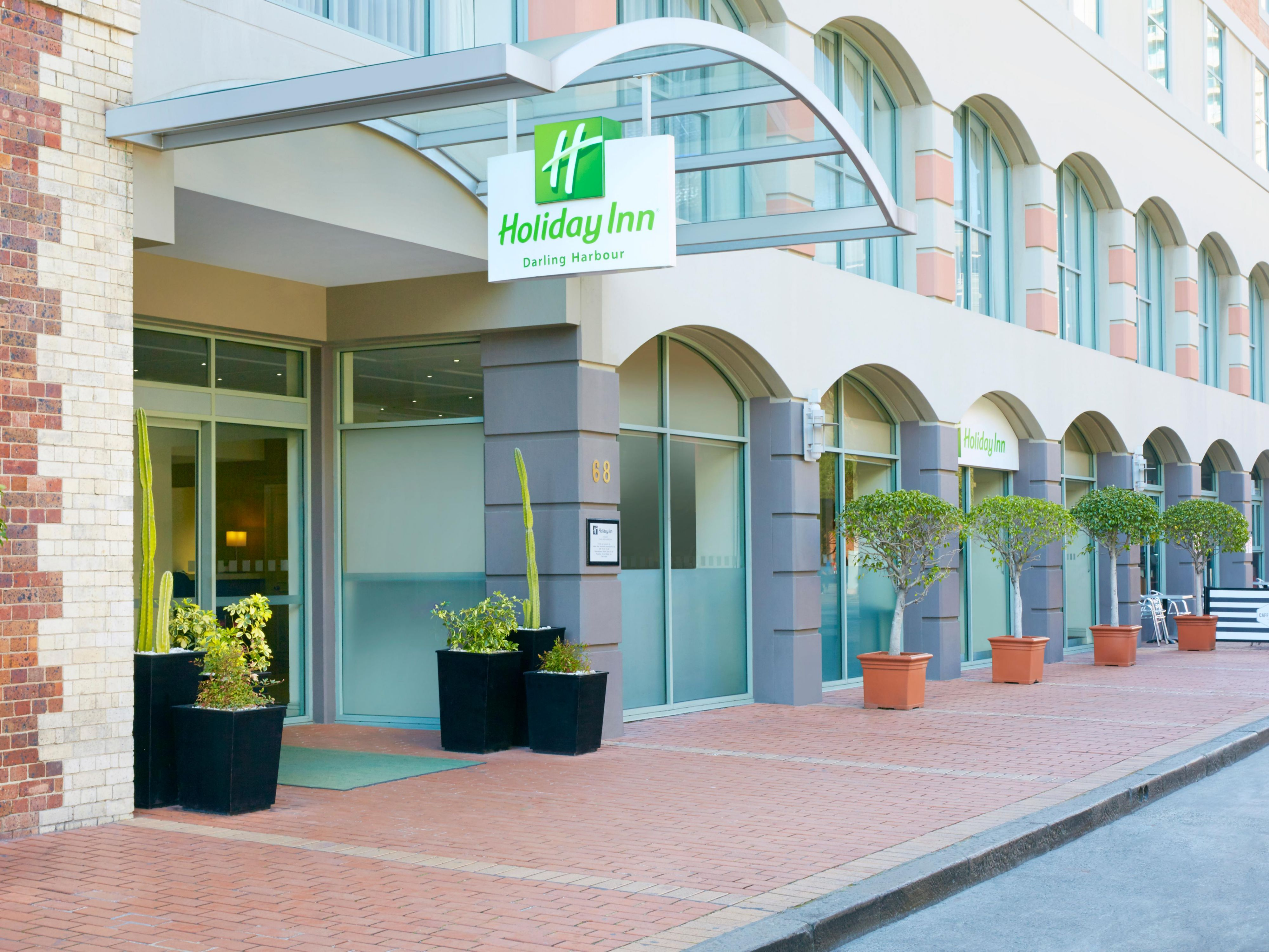Hotel Exterior and Entrance