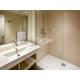 Salle de bains accueillante