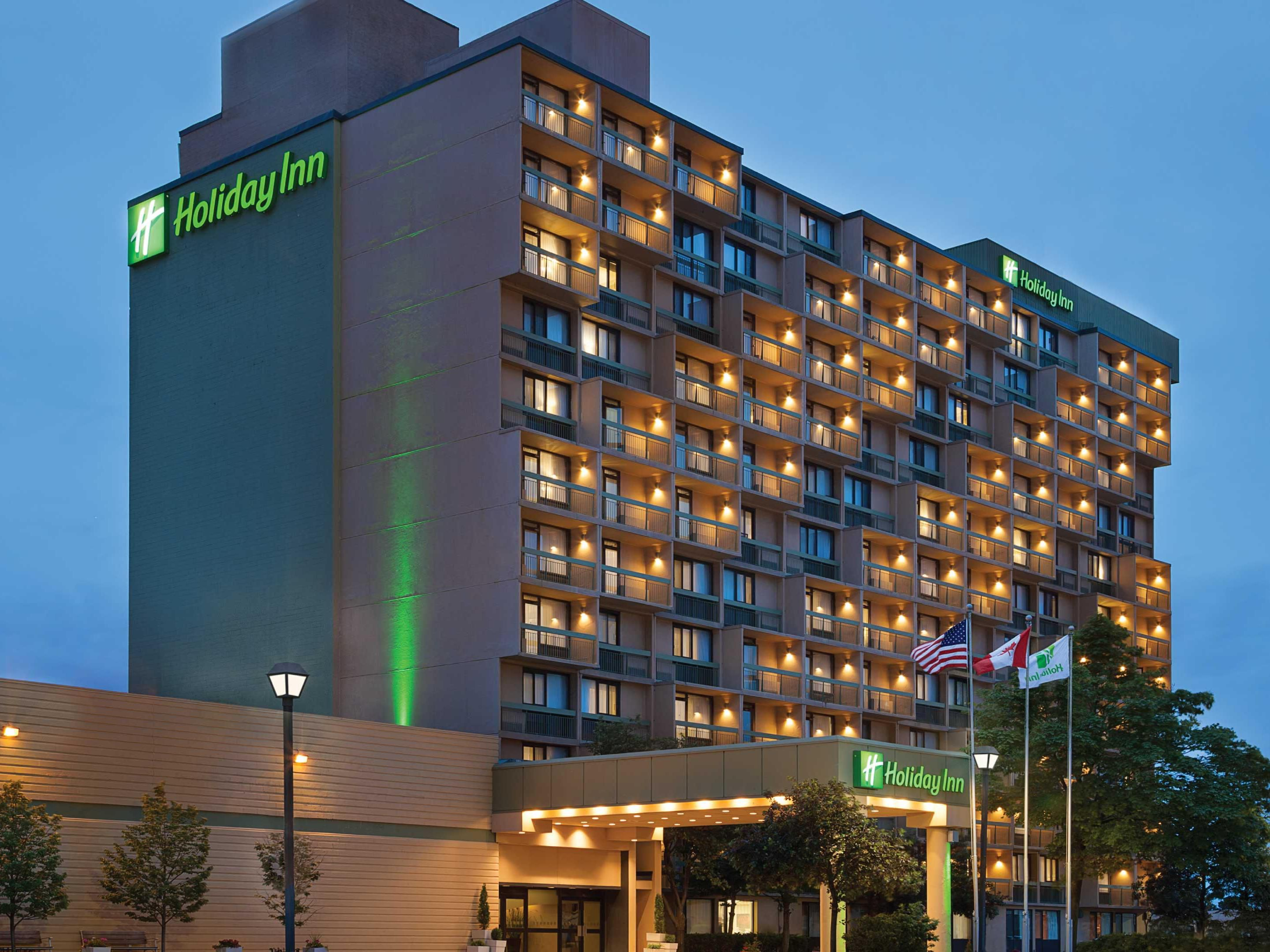 Newly renovated Toronto hotel next to Yorkdale Shopping Centre