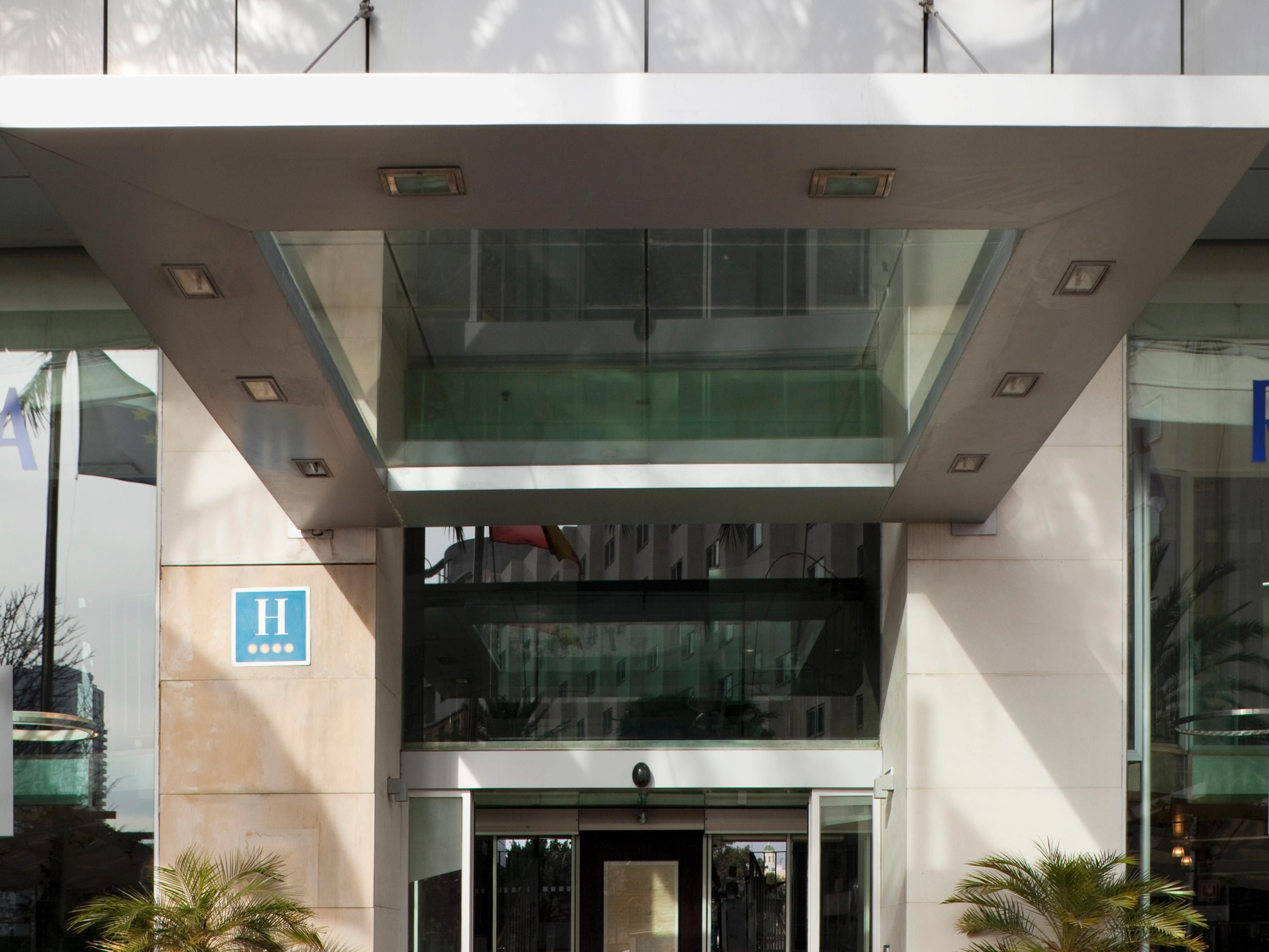 Exterior Hotel's entrance