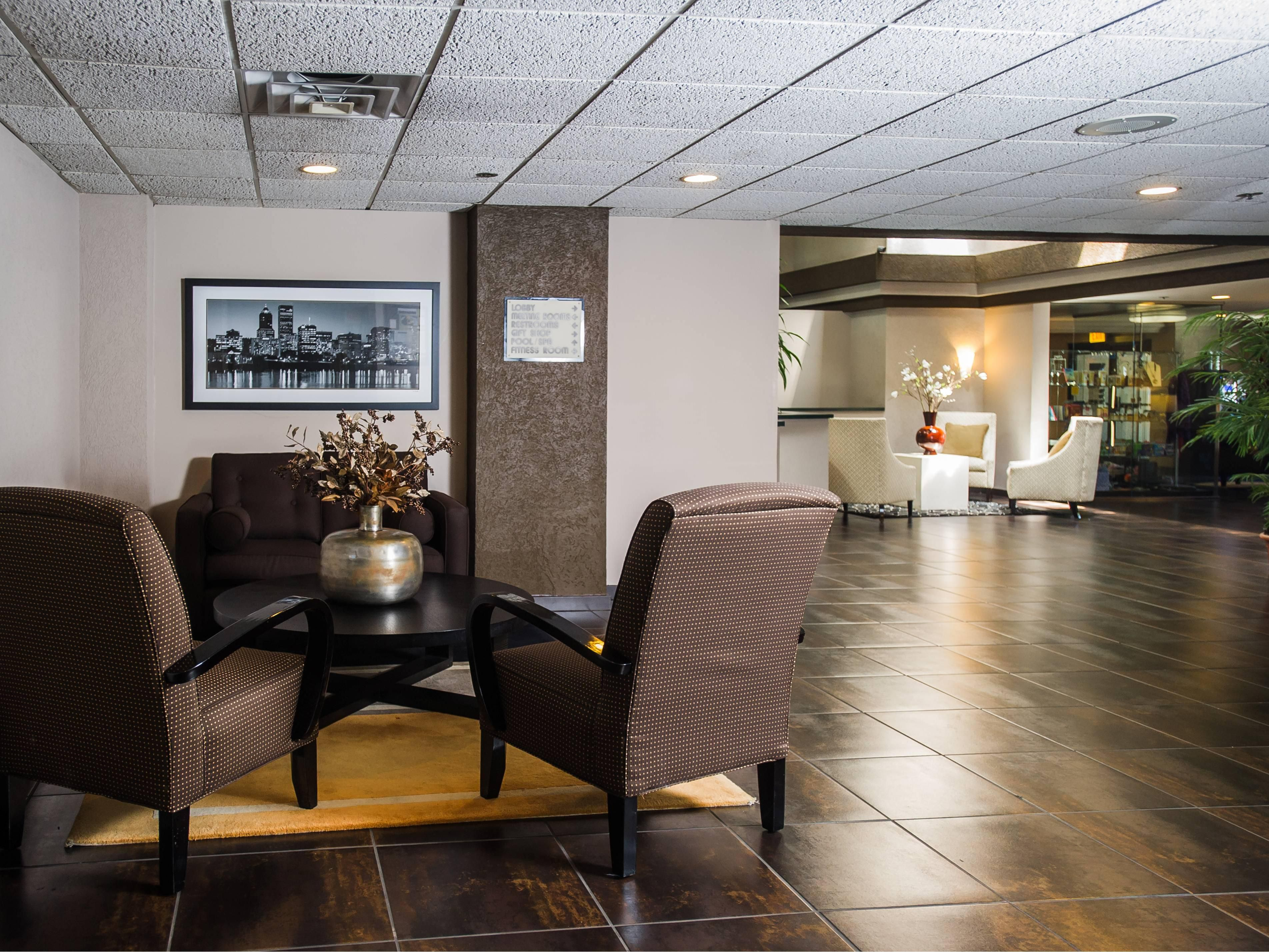 Holiday Inn Portland South/Wilsonville Lobby Seating Areas
