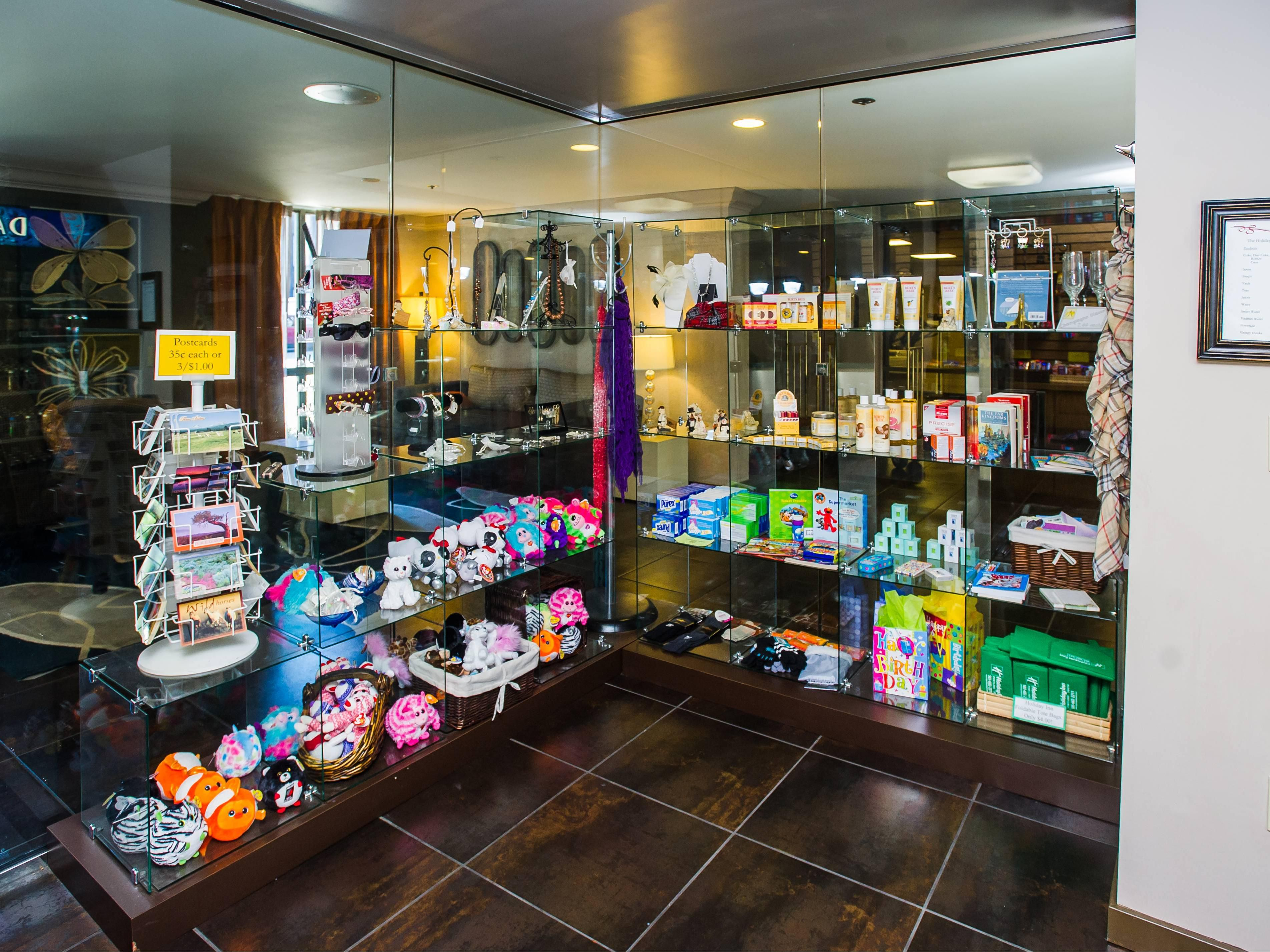 Holiday Inn Portland South/Wilsonville Gift Shop Amenities