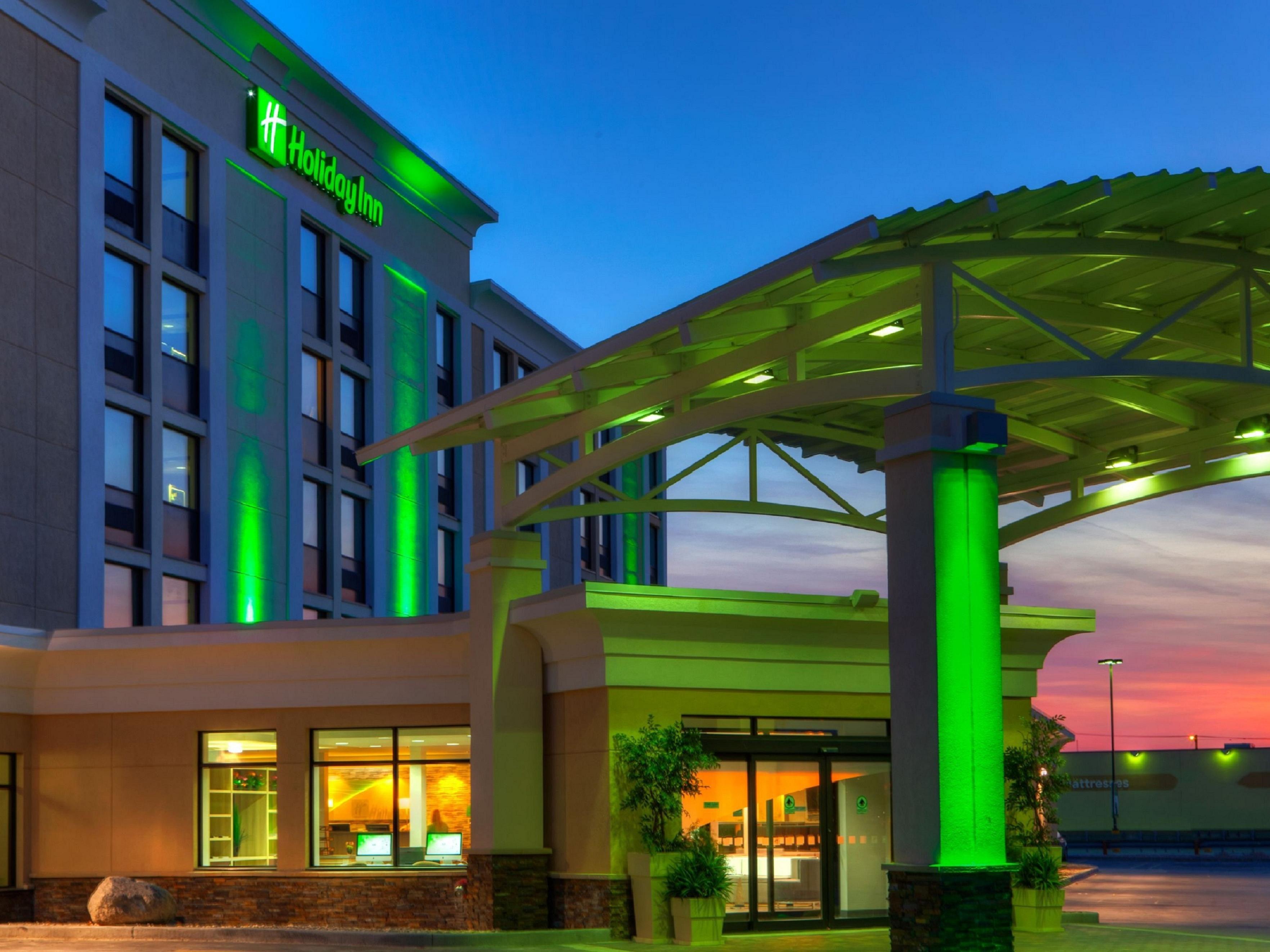 meet 4adf2 12639 Polo Park Airport Holiday Inn Hotel | Winnipeg, Manitoba