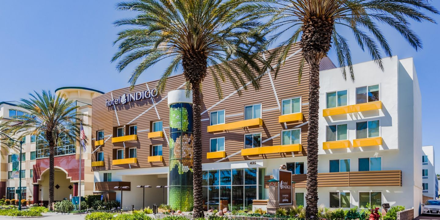 Hotels near Disneyland in CA | Marriott Suites Anaheim Hotel