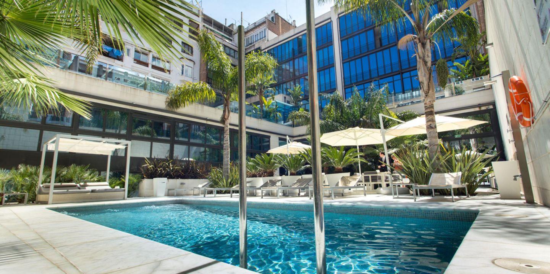 Barcelona hotels hotel indigo barcelona plaza catalunya for Hotels a bcn