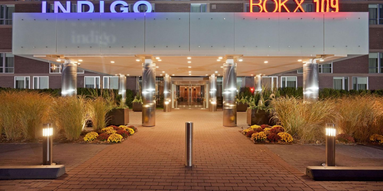 Hotel Boston Map.Newton Hotels Hotel Indigo Boston Newton Riverside Hotel In
