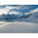 Das schneebedeckte Sertigtal