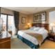 Luminoso dormitorio de la Premium Suite (ejemplo con terraza)
