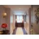 Suite Foyer