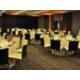 Salle de réunion mise en place banquet