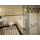 Twin Deluxe Harbour Executive Suite Bathroom