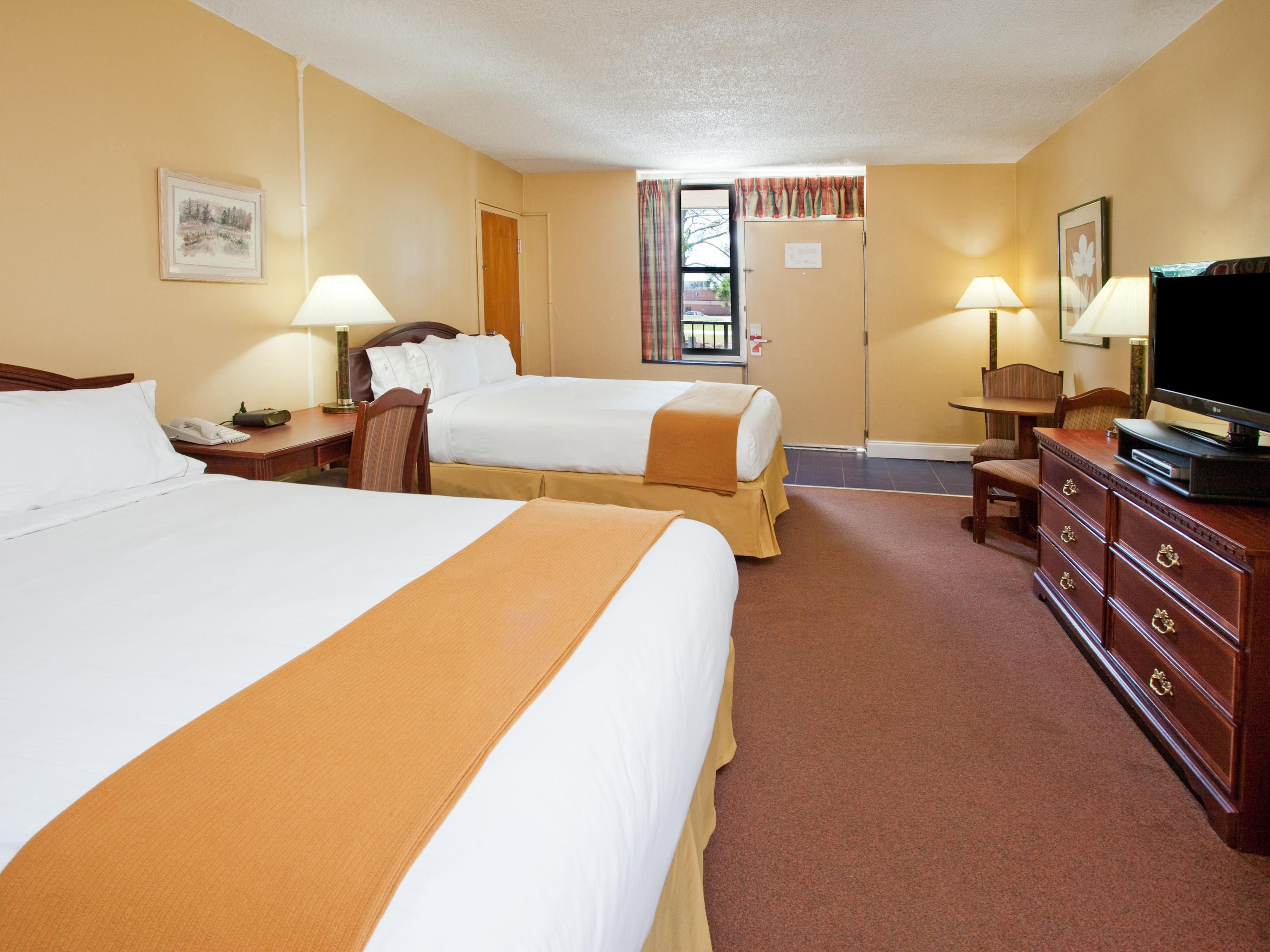 Rooms And Rates For Ihg Army Hotels Stinson Hall At Fort