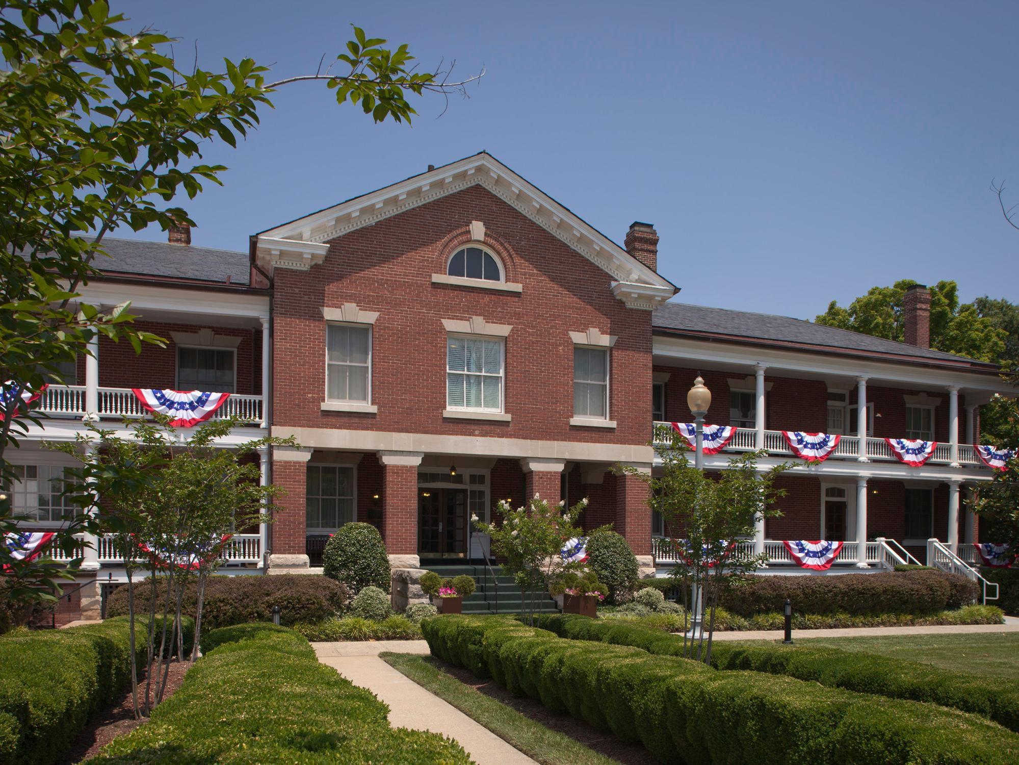 Fort Myer Va >> Military Independent Brand Wainwright Hall Historia Hotel By Ihg