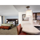 King Studio Suite