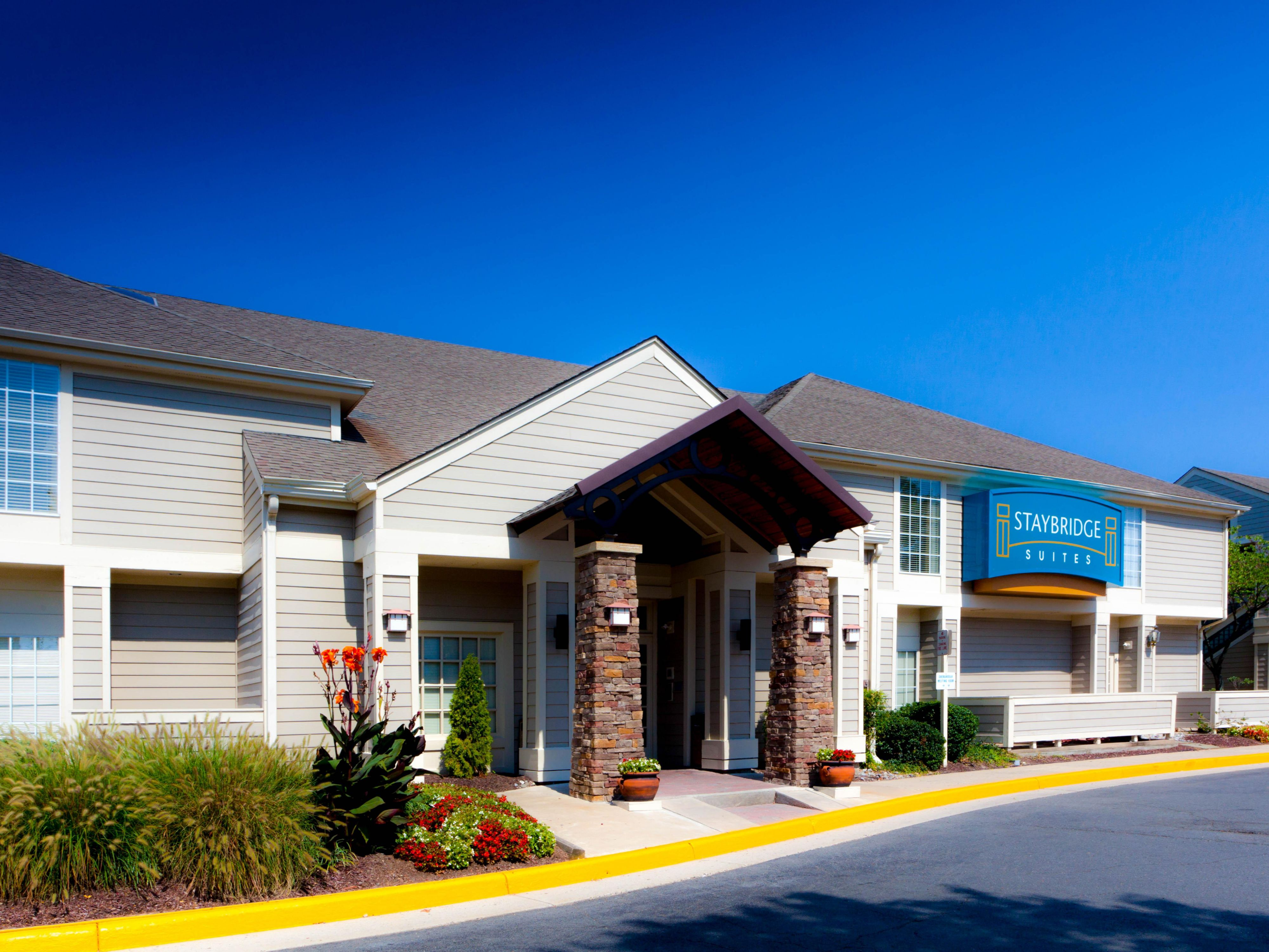 Herndon Hotels Staybridge Suites Dulles Extended Stay Hotel In Virginia