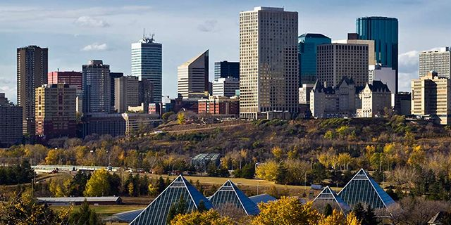 View Edmonton Hotels