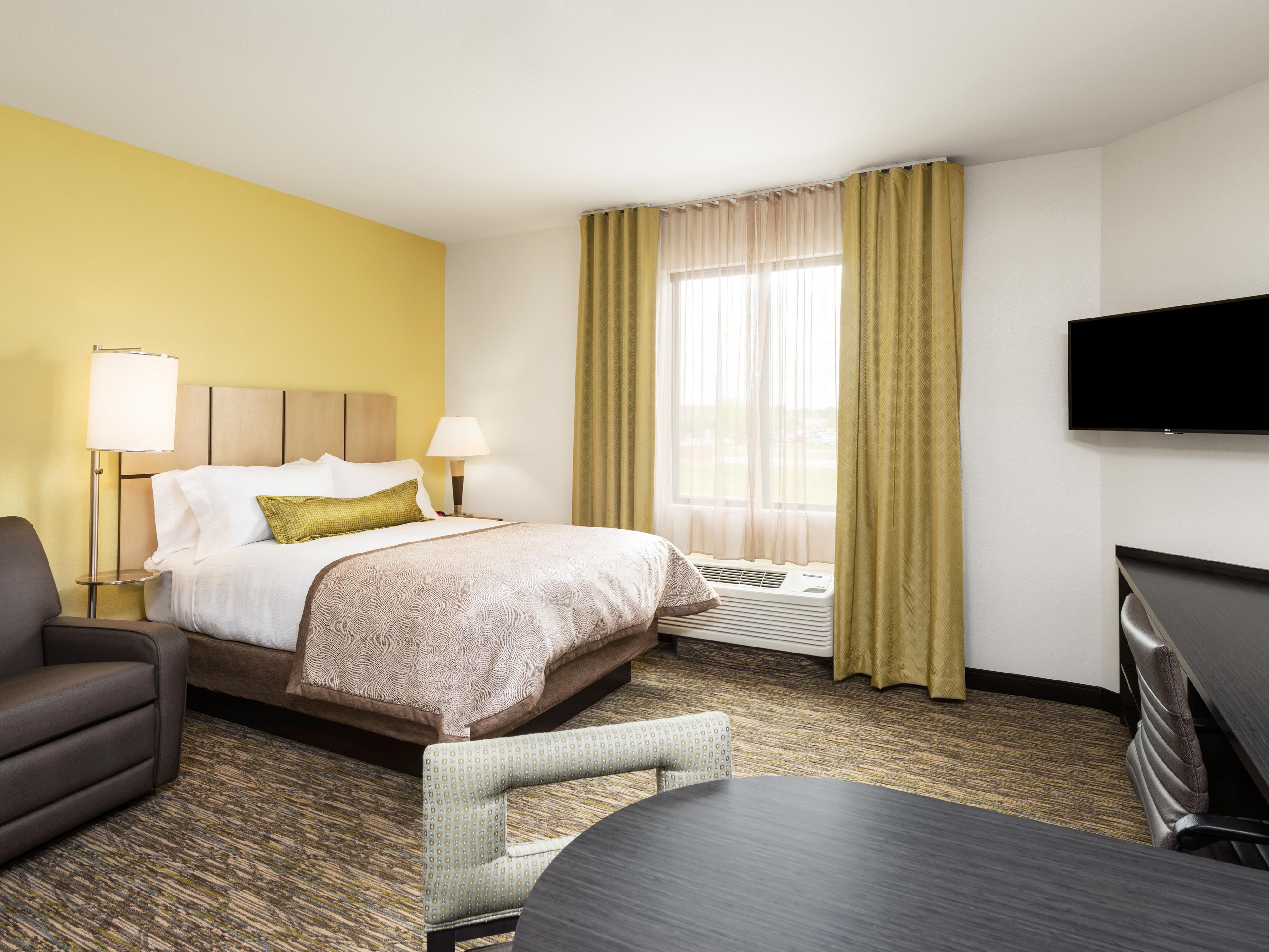 Rooms And Rates For Ihg Army Hotels Building Fort Leonard Wood