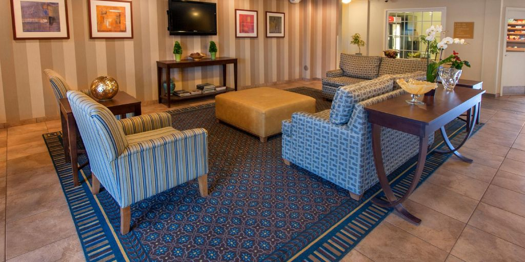 Candlewood Suites Buffalo Amherst Hotel Lobby