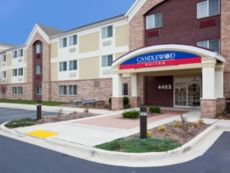 Candlewood Suites Milwaukee Brown Deer in Brown Deer, Wisconsin