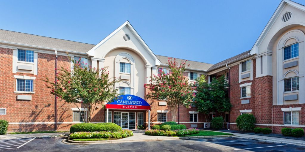Nc Candlewood Suites Charlotte University In North Hotel Lobby
