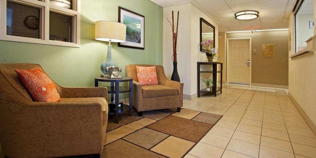 Charlotte Hotels Candlewood Suites University