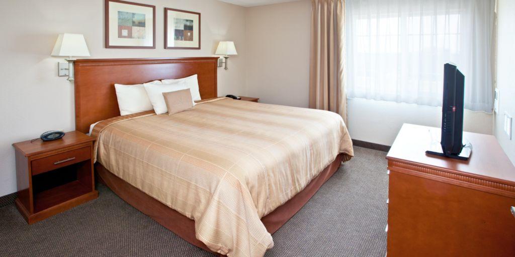 Hotel Lobby Suite