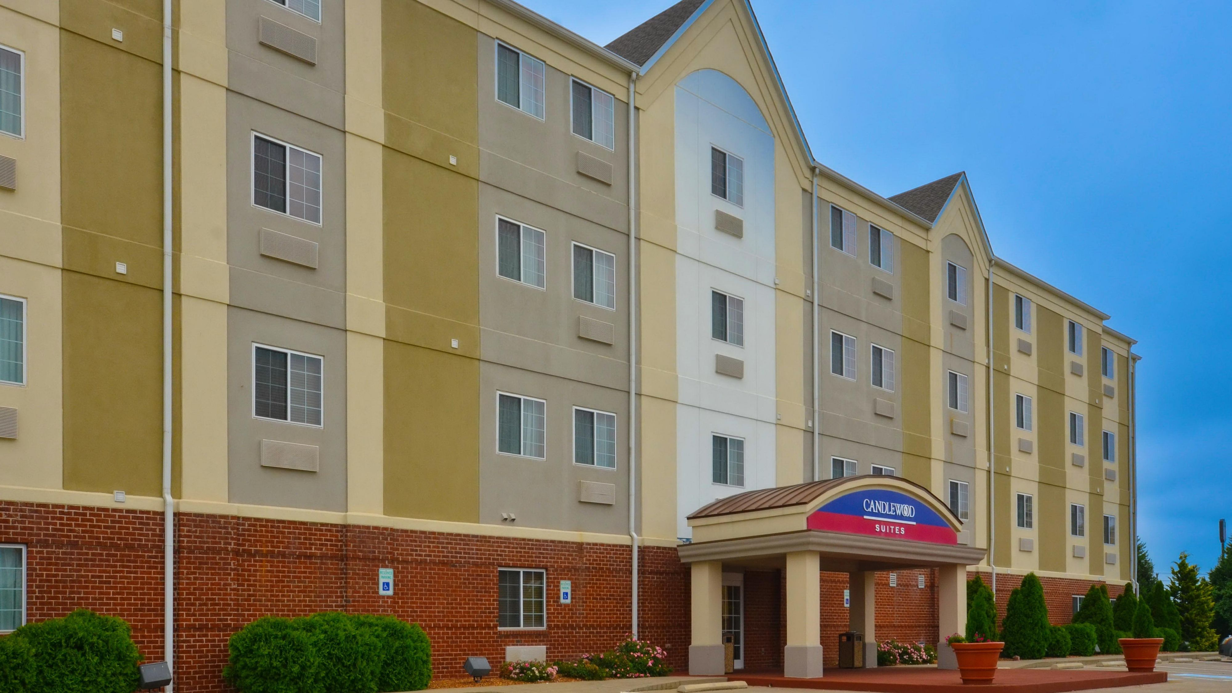 Clarksville Hotels: Candlewood Suites Clarksville - Extended