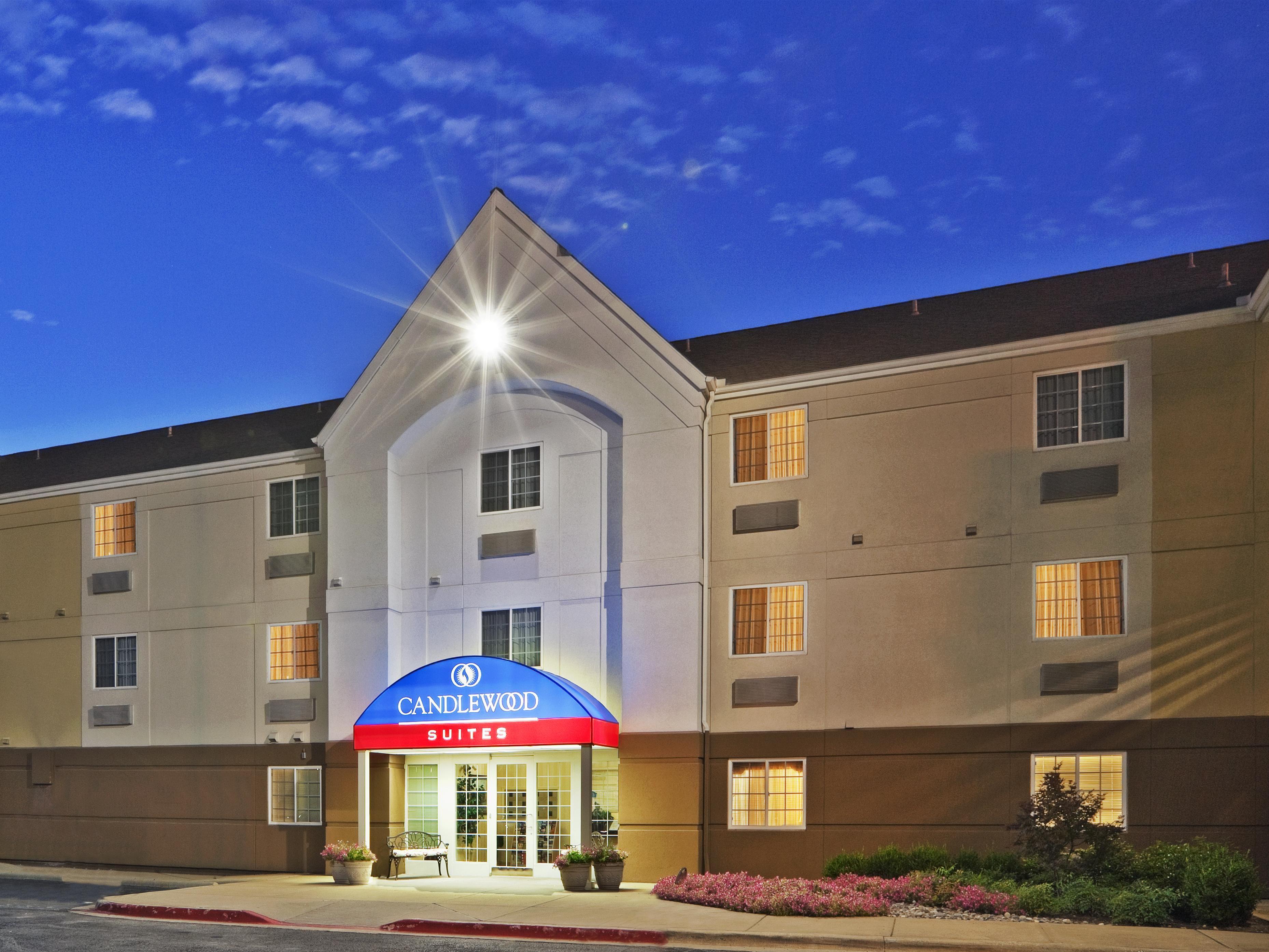 hotels near dallas love field dal