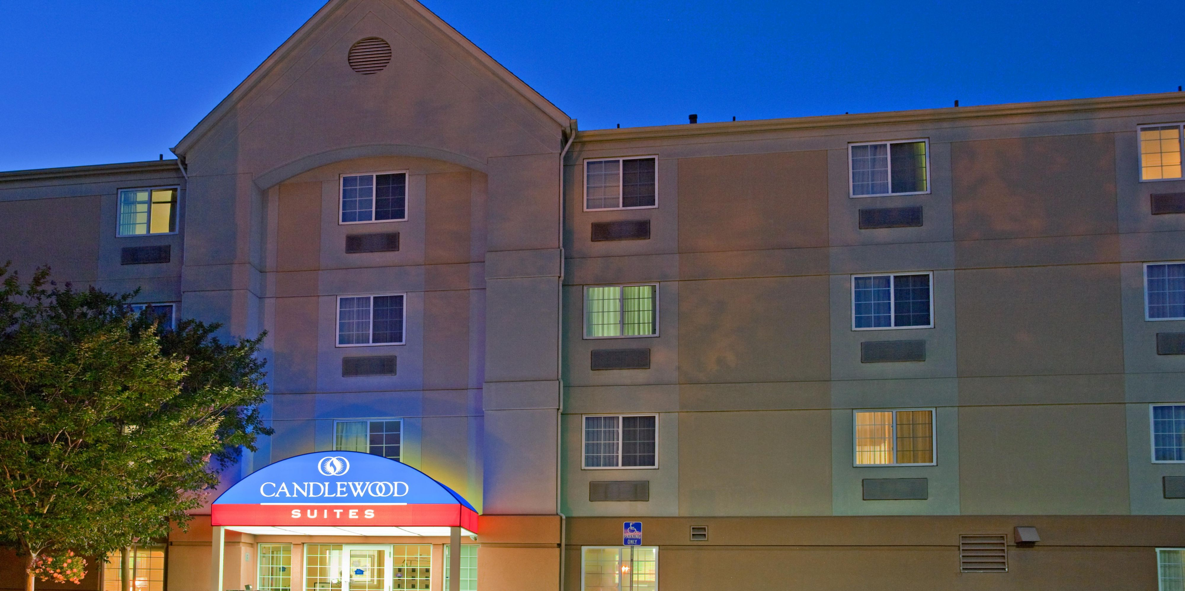 ... The Candlewood Suites Extended Stay Hotel Front Entrance At Dusk ...