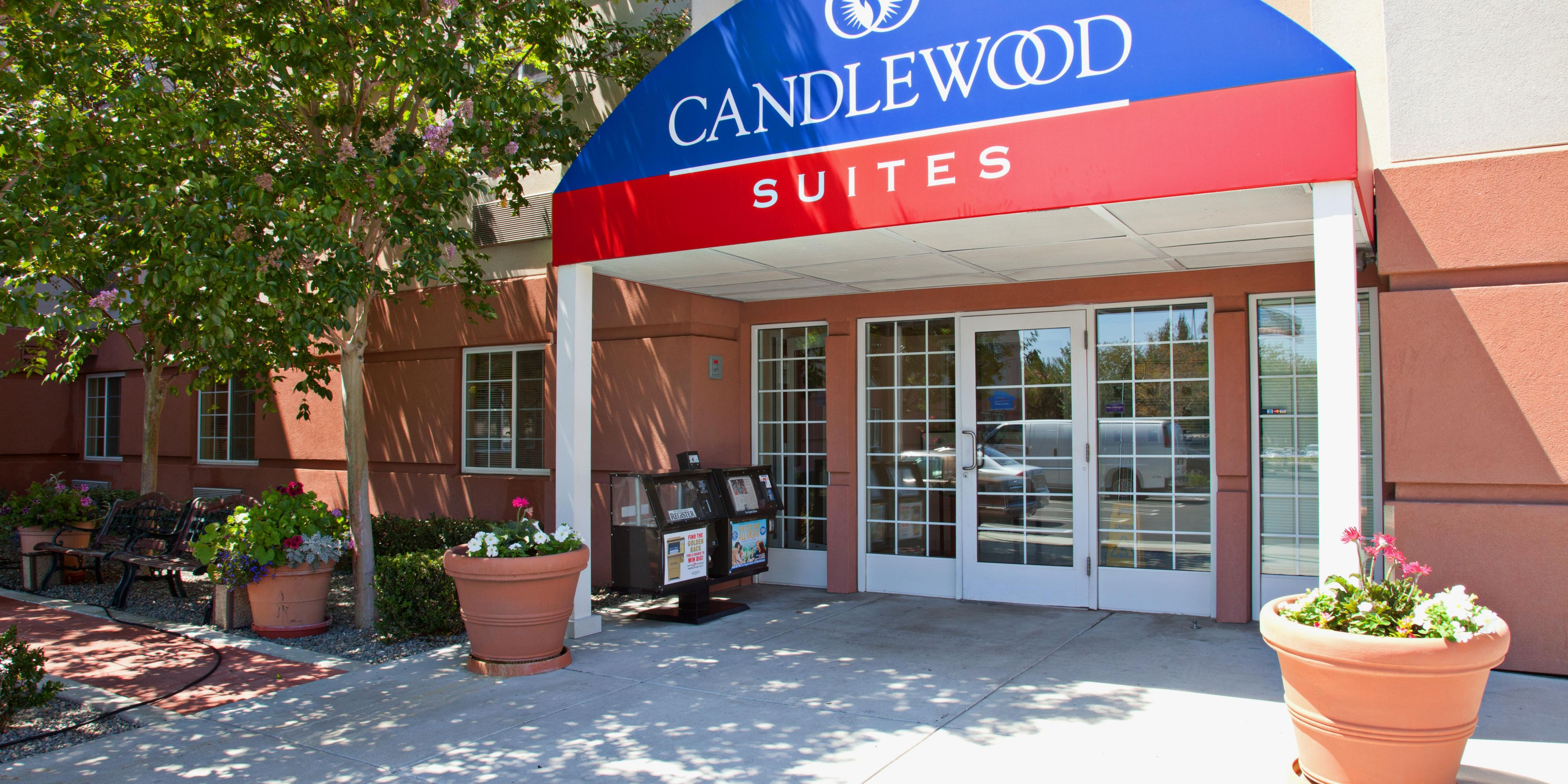 Extended Stay Candlewood Suites Front Entrance ...
