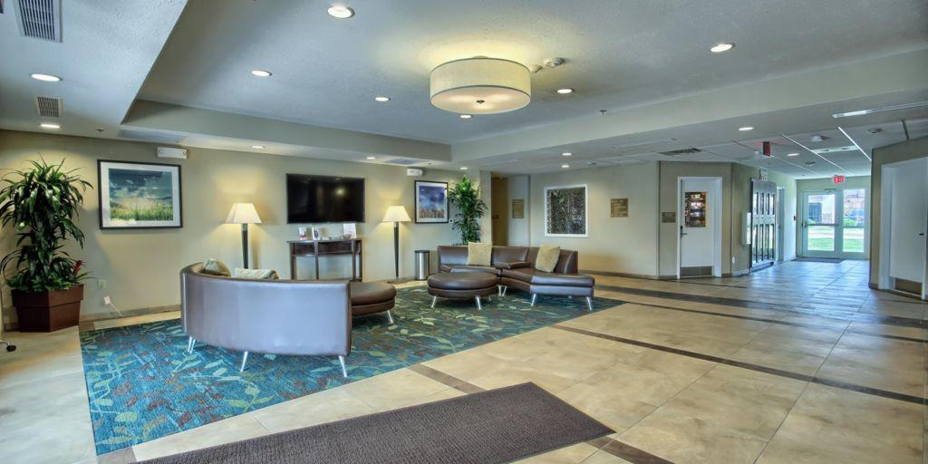 Columbus Grove City Our Lobby Hotel