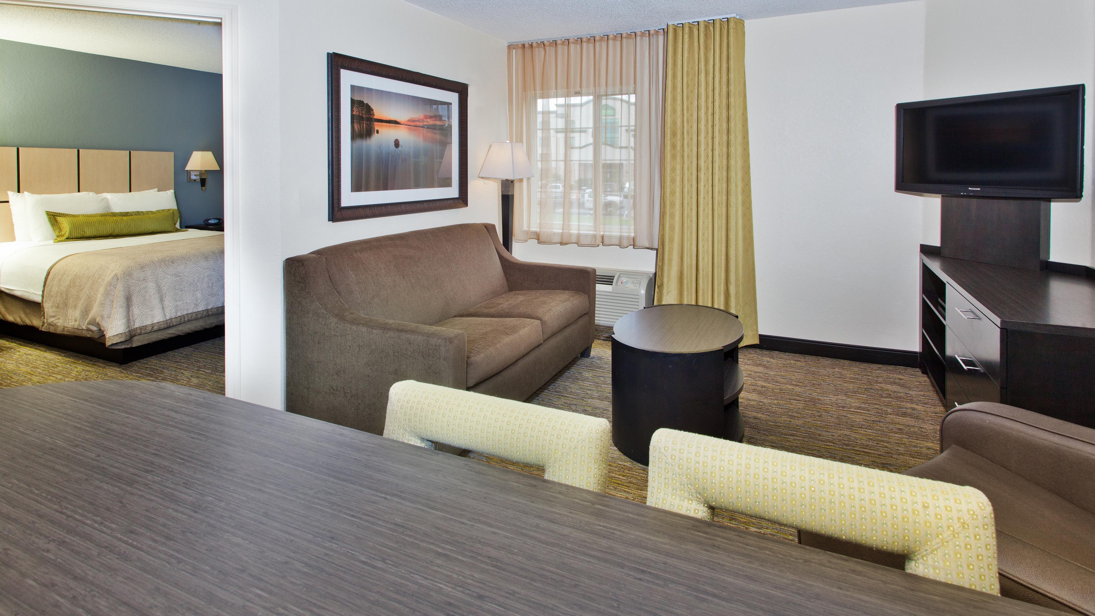 Hotels near Irvine Spectrum | Candlewood Suites Orange