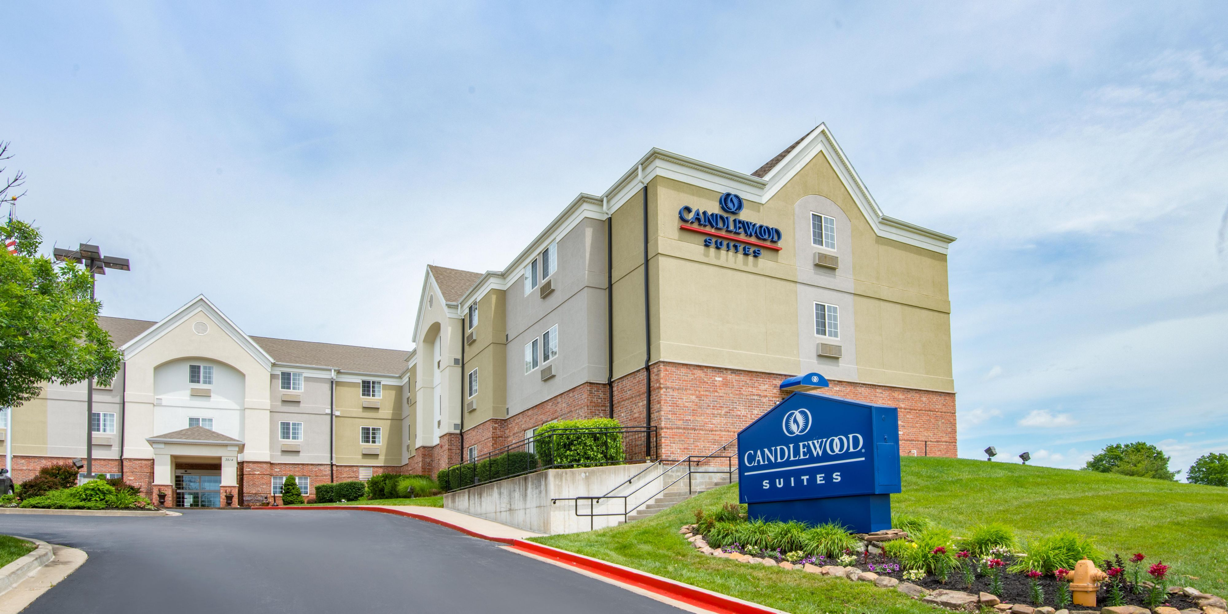 candlewood suites jefferson city extended stay hotel in jefferson rh ihg com