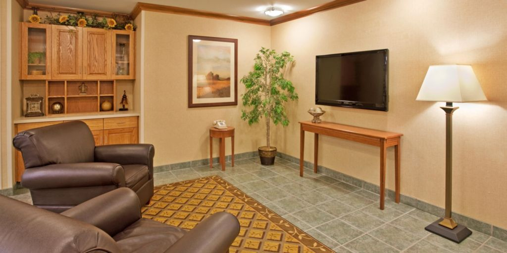 Entrance Hotel Exterior Lobby Lounge