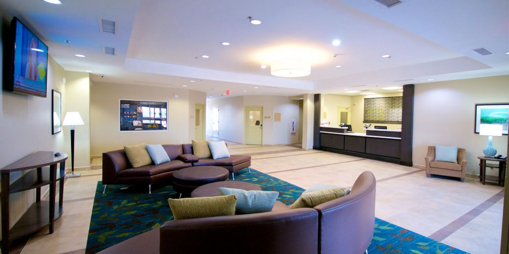 Candlewood Suites Kenedy Lobby