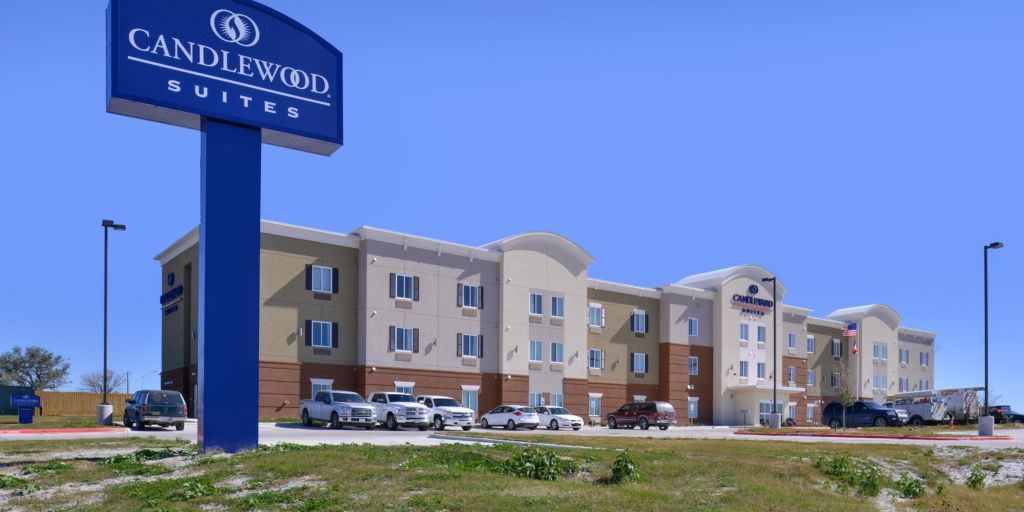Front Desk Hotel Exterior In Kenedy Texas Candlewood Suites