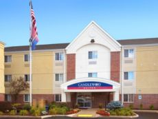 Candlewood Suites Kenosha in Waukegan, Illinois