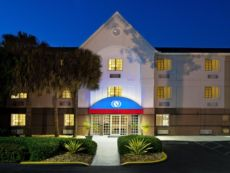 Candlewood Suites Miami Airport - Doral in Plantation, Florida