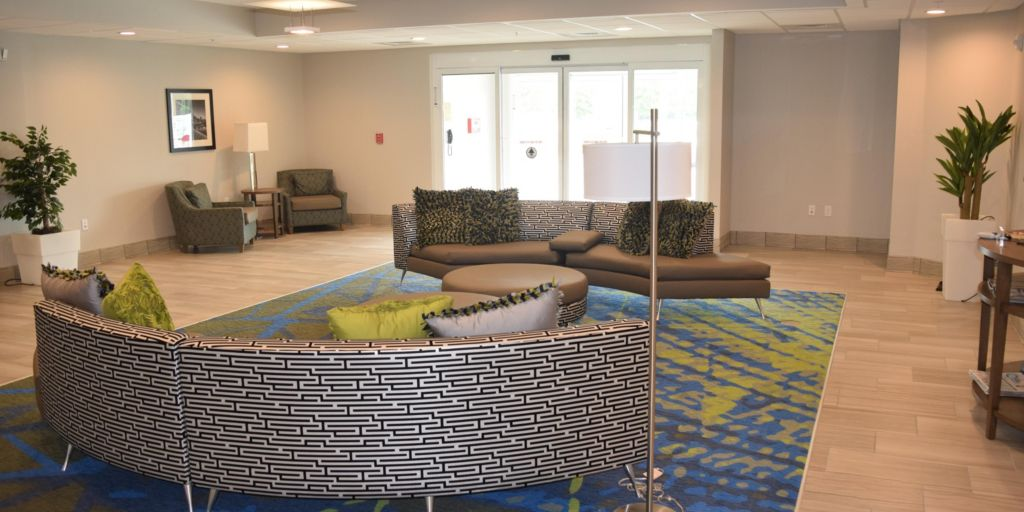 nashville hotels candlewood suites nashville metro center