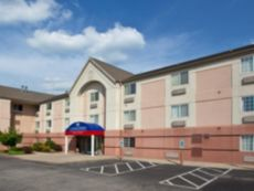 Candlewood Suites Pittsburgh-Airport in Weirton, West Virginia