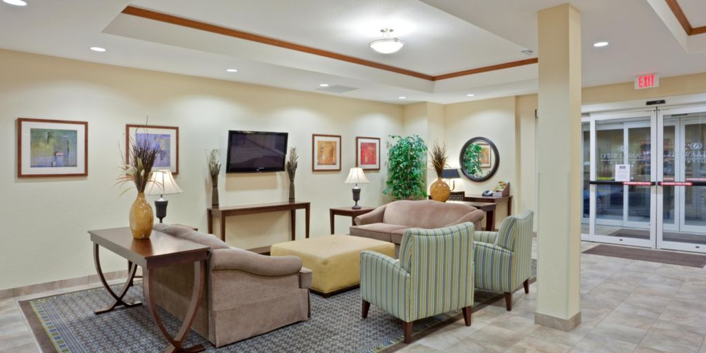 Portland Hotels: Candlewood Suites Portland-Airport - Extended Stay ...